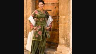 Fatine Hilal Bik, 'mouchaghiba'    فاتن هلال بك في أغنية مشاغبة 2017 Video