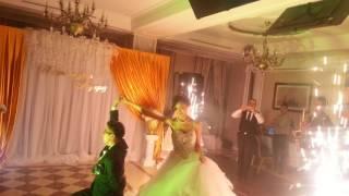 Красивый танец на свадьбе под саксофон! JanSax
