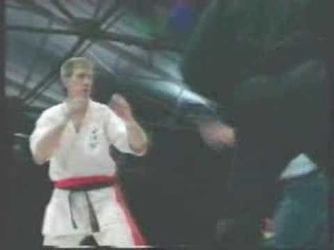 5 Second Knock-Out: Pat Smith fighting in Karate