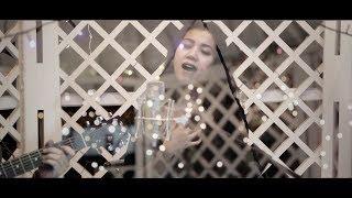 Menuju Senja (Acoustic Cover)  a WHITE HOUSE HOME SESSION with MIA & BRAMESTYO