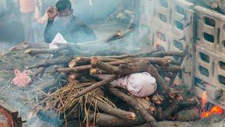 Крематории не справляются В Индии за сутки умерли почти 2300 зараженных COVID 19