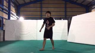 Daisukeがバタフライツイスト講座をやってくれました!音量は大き目で!...