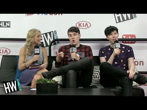 Dan & Phil Share First Kiss Stories In Hilarious Game! (VIDCON 2014)