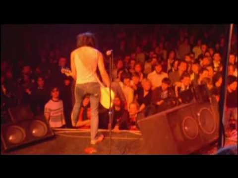 The Ramones - It's Alive (1977) - We're a happy family
