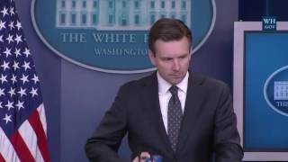Reporters DESTROY Josh Earnest Over $400 Million During White House Press Briefing 8/3/16