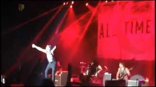 The Irony of Choking on a Lifesaver - All Time Low (Live in Manila 08-12-15)