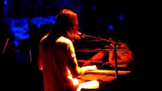 Andrew W.K. plays Party Hard on piano at Le Poisson Rouge