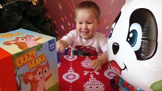Арсенка и Панда играют в Crazy Белка Веселая игра Видео для детей