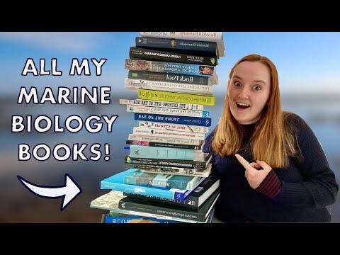 MARINE BIOLOGIST BOOKSHELF TOUR! (20+ marine biology books to buy)