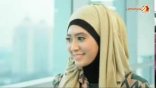 Tutorial Memakai Jilbab Pashmina Glitter Untuk Wisuda
