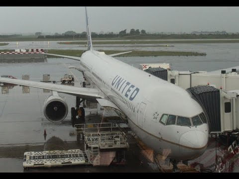 United Airlines Flight Report || Rome Fiumicino FCO to New York EWR || Economy Class B767-400 ✈