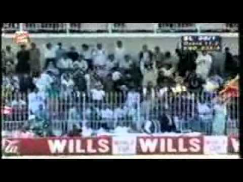 Sanath Jayasuriya Vs Phil Defreitas 1996 World Cup Quarter Final (SRI vs ENG).flv