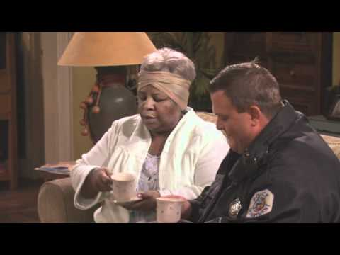 Mike & Molly - Carl Meets A Lady Extended Preview