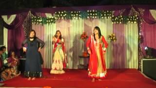 Girls & Guys group - Engagement Dance on Kya Karun oh Ladies, Chhalla, Ladkon ki ungali pe