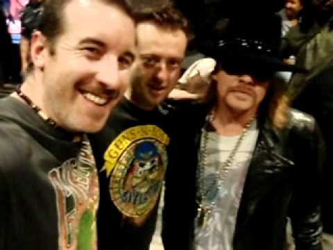 Axl Rose of Guns N' Roses meets Olsen & Starkey in Townsville 2010
