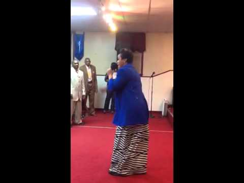 Prophetess Lindsey Adams, I can praise Him by myself