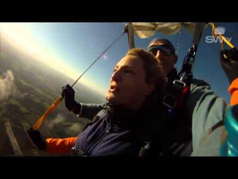 Saut en parachute vannes morbihan youtube - Saut parachute vannes ...