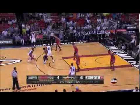 Dwight Howard with the snatch block of Greg Oden