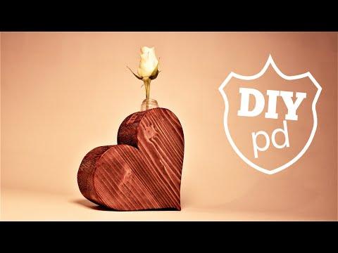 Flower Light Bulb Craft - Wooden Heart Vase /  | DIY Decor ideas