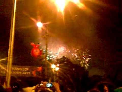 ban phao hoa 2011 tai bach dang q1 . .