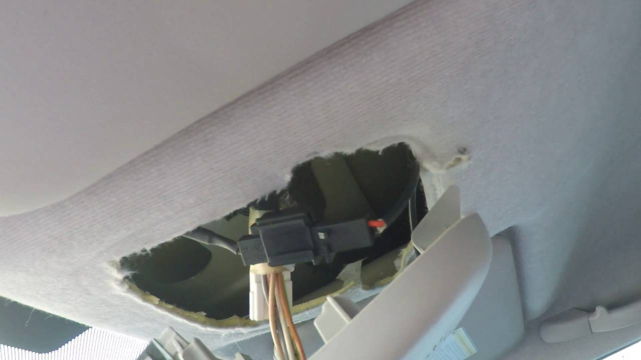 Demontaż Montaż Lampki Podsufitki Peugeot 207 Youtube