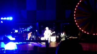 Elvis Costello - A Slow Drag With Josephine live Ryman, Nashville #05 - TheDailyVinyl music video