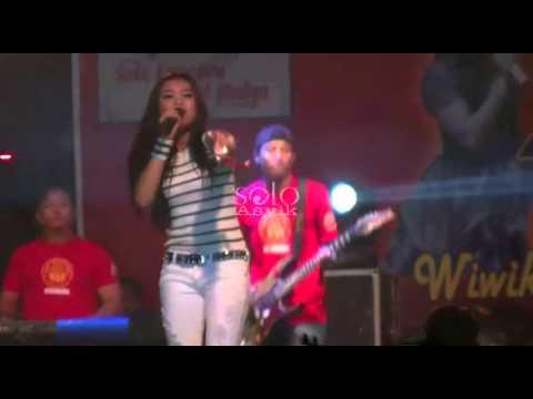 Beraksi - Lovina AG SERA Dangdut Koplo Live THR Sriwedari Solo