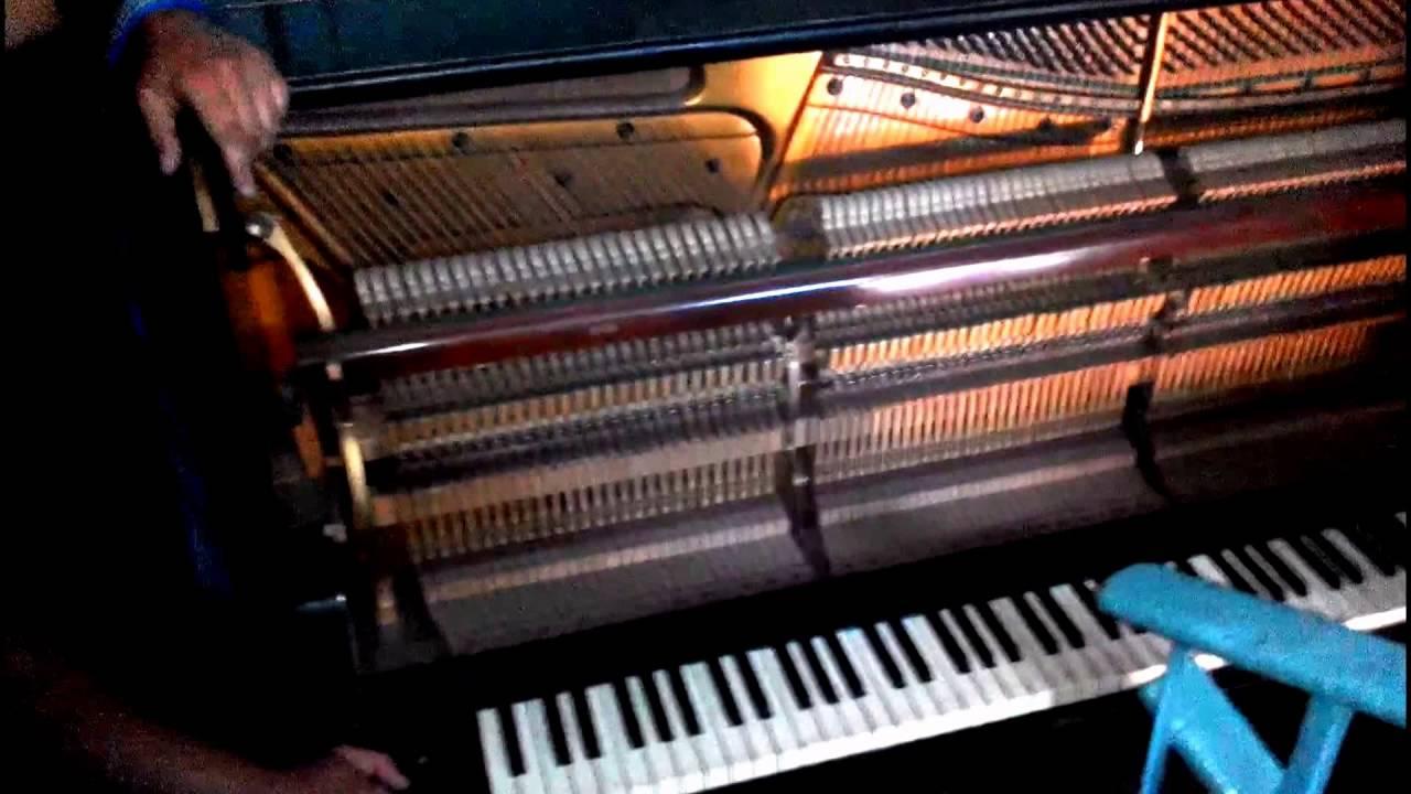 В каком пианино есть цветной металл фото