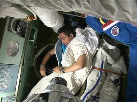 "Dr. Sheikh Muszaphar Shukor showing how he sleeps in outer space (from ""Muslim in Space"" DVD)"