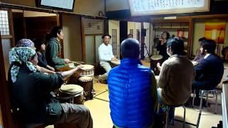奈良大介さんからジャンベを習いました♪ さすがは、奈良さん! 参加者も...