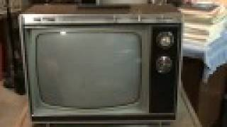 "Watch a 1971 Zenith color TV with space command ""100"""
