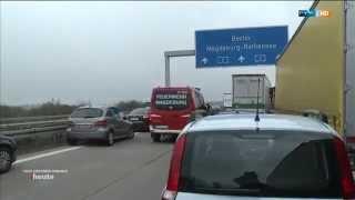 Feuerwehr Magdeburg - Unfall auf der A2 legt Magdeburg lahm (20.11.2014)