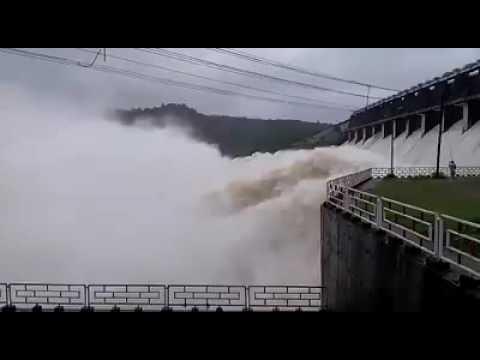 राजस्थान का बीसलपुर बांध भारी बारिश से 16 गेट खोले जाने के बाद बहते हुए पानी का सैलाब खतरनाक द्रश्य