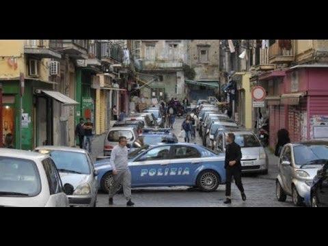 Documentaro Camorra la cronaca di strada a Napoli