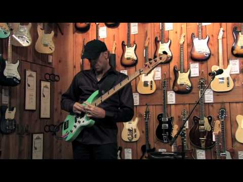 Guitar Center Sessions: Billy Sheehan - Solo Bass Performance