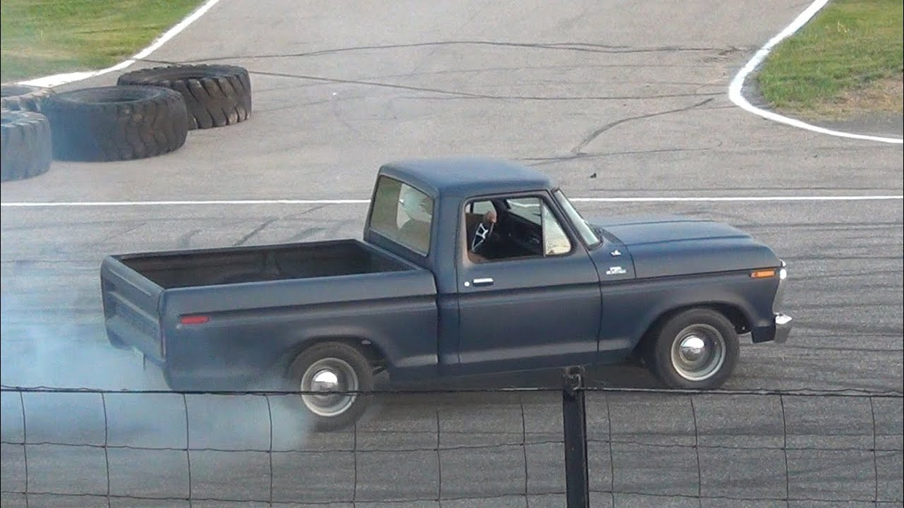 1975 Ford F100 CLOSE CALL (Spectator Drags) - YouTube