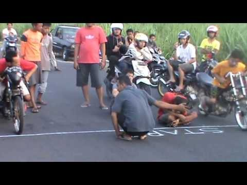 Drag Bike Mojoagung Travel Video