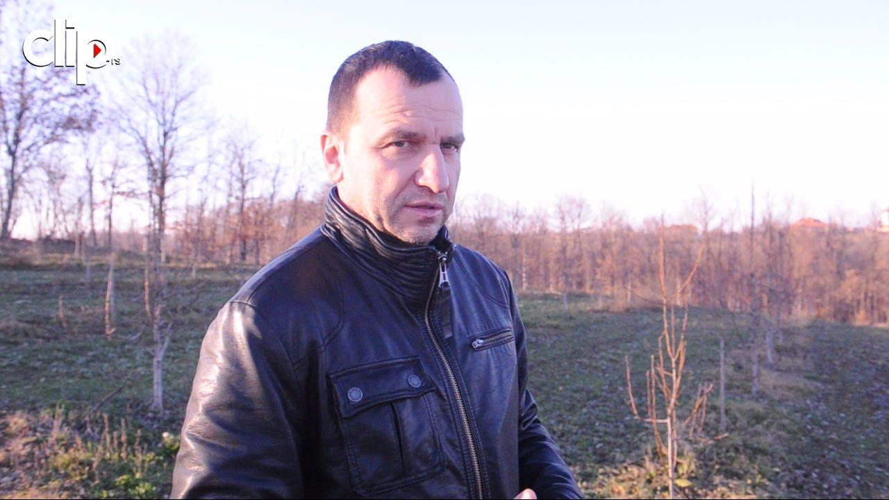 ŽIVOT NA SELU Pogledajte šta pored glume radi Nenad Jezdić - YouTube