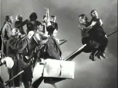 Miracolo a Milano (1951) - YouTube