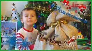 Новогодние сюрпризы Шоколадная елка Костюм человека паука Spiderman opens a bag of surprises!
