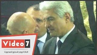 بالفيديو.. نبيلة عبيد وهانى شاكر وحسام حسن فى عزاء والدة الإبراشى