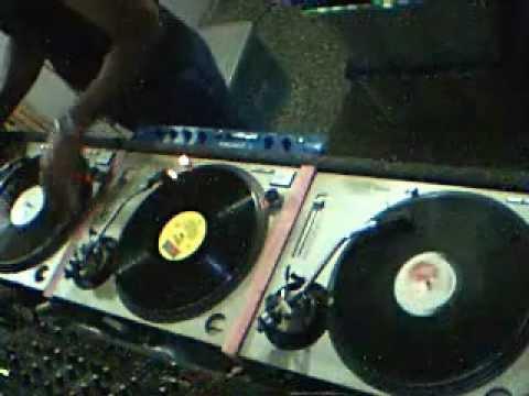 DJ VICTOR WALDRON - RETRO 80's DANCE MUSIC Vinil MIX 3 TECHNICS 1200 MK II PLANETA DE VINIL