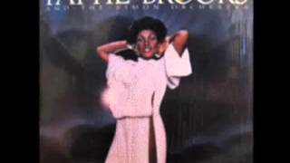Pattie Brooks & The Simon Orchestra - Close Enough For Love