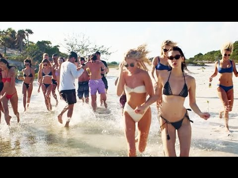 "Thumbnail: ""Fyre Festival"" Looked So Fun In The Pictures..."