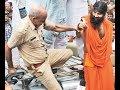 राजस्थान : रामदेव को एअरपोर्ट से वापस लौटना पड़ा  जनता ने कहा- काला धन लेकर आओ!