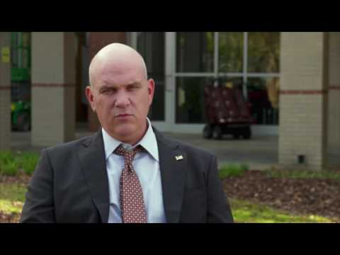 """Sully: Mike O'Malley """"Charles Porter"""" Behind the Scenes Movie Interview"""