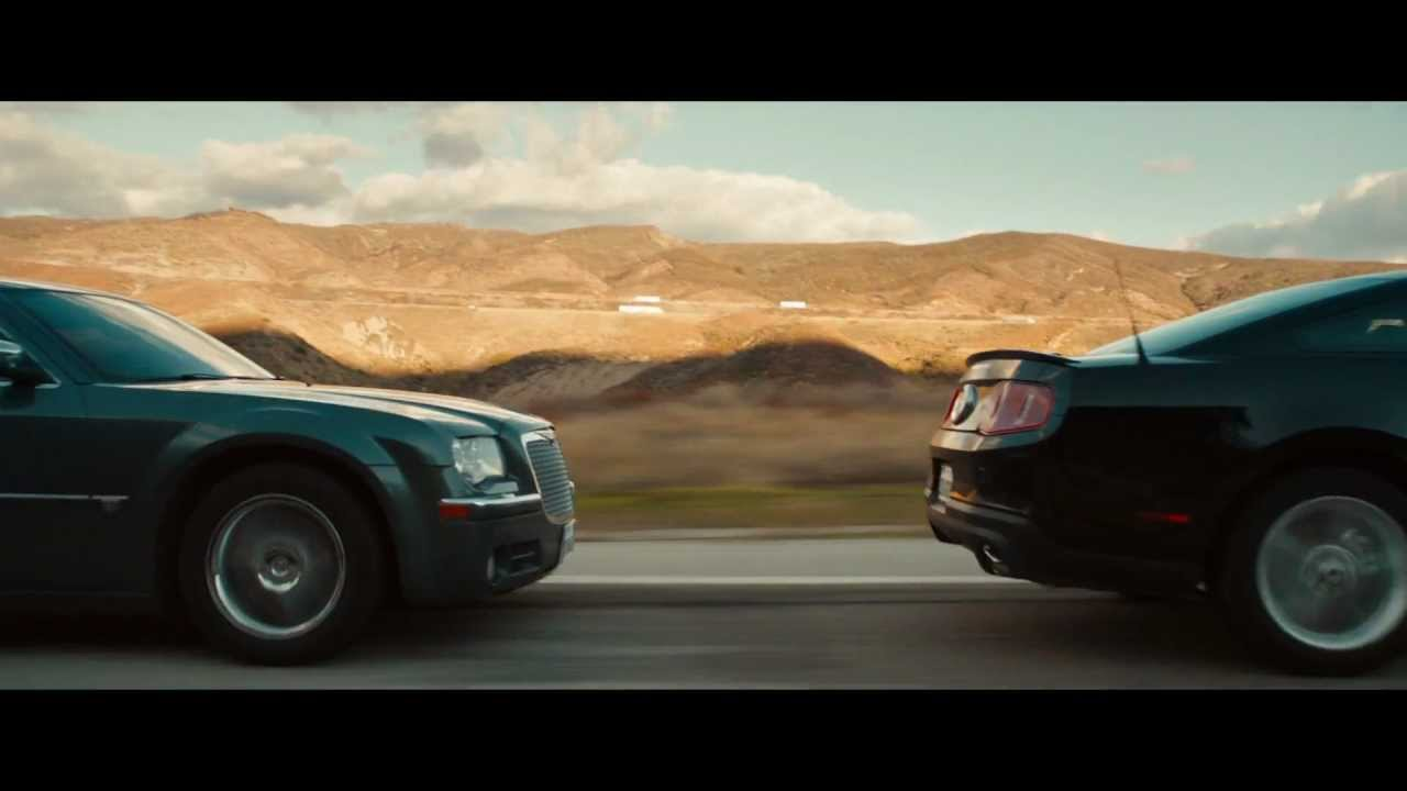 Car chase complete bluray scene drive 2011 youtube for Chaise auto