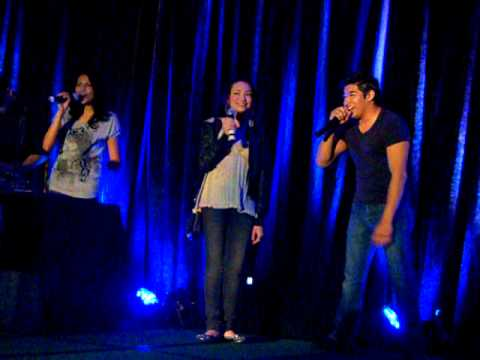 Twilight Convention Karaoke with Tinsel, Jodelle & Andrew