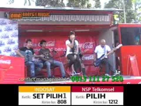 LAVINA Live in Global Radio Bandung (8-8-2010).mp4