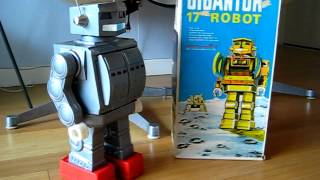 MEGO Gigantor 17inch tall walking toy robot